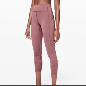Lululemon in the movement tight 25